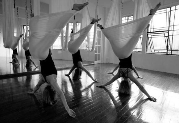 Йога на гамаках (Fly Yoga)